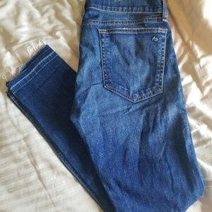 Rag N Bone Dre fit Jean's size 28 distressed